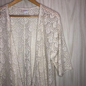 LulaRoe Lindsay Lace Kimono size Small